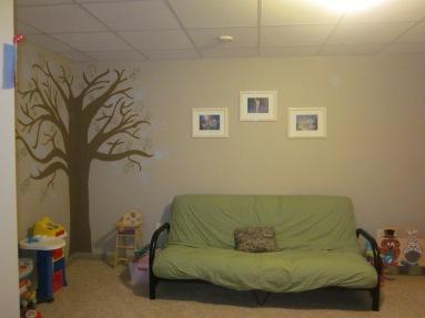 Playroom tree 065